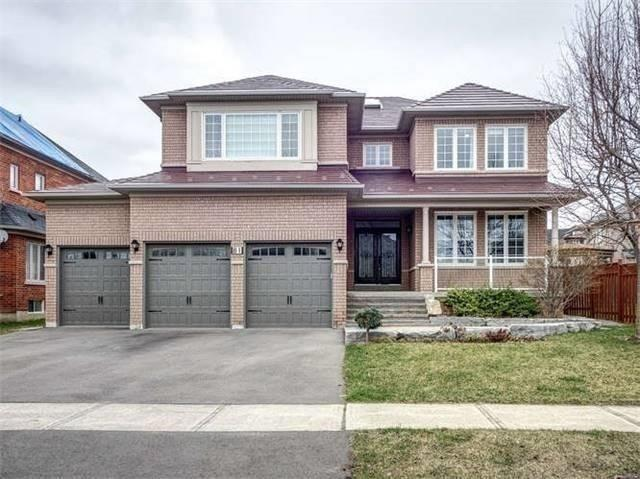 Detached house For Sale In Markham - 81 Village Gate Dr, Markham, Ontario, Canada L6C1V7 , 4 Bedrooms Bedrooms, ,6 BathroomsBathrooms,Detached,For Sale,Village Gate