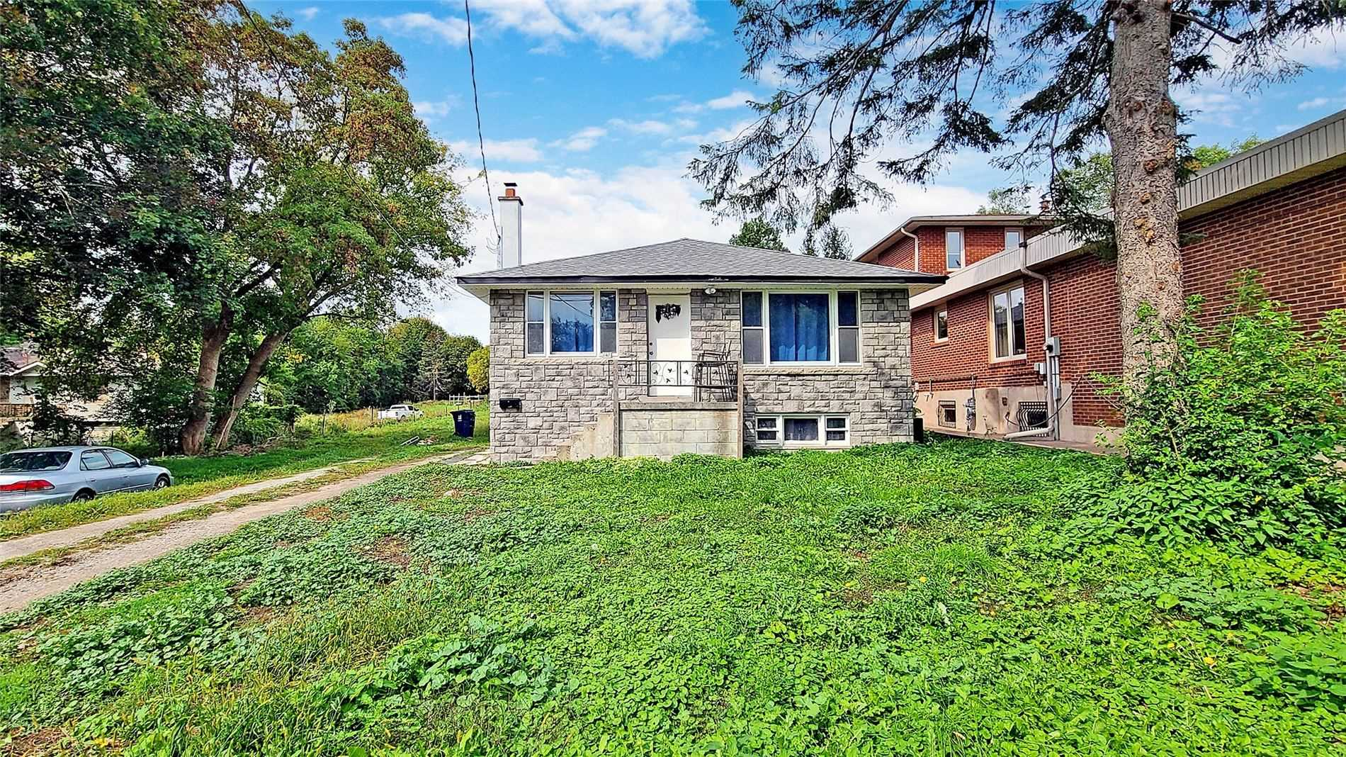 148 Rowntree Mill Rd, Toronto, Ontario M9L1C9, 3 Bedrooms Bedrooms, 5 Rooms Rooms,2 BathroomsBathrooms,Detached,For Sale,Rowntree Mill,W5382707