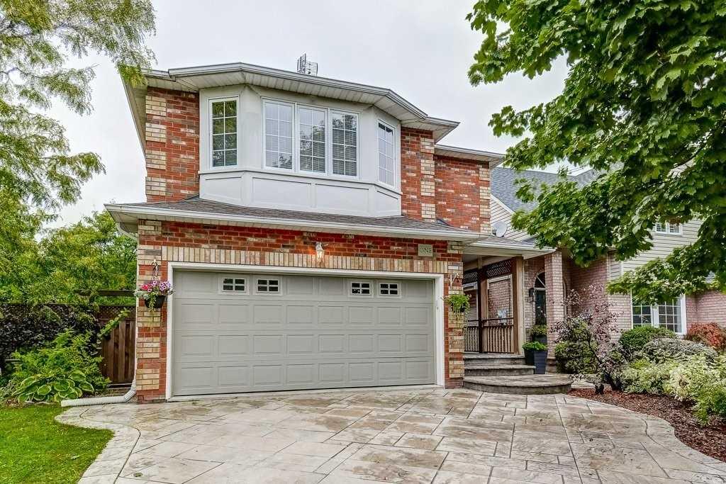 Detached house For Sale In Hamilton - 1 Rockhaven Lane, Hamilton, Ontario, Canada L8B0H6 , 3 Bedrooms Bedrooms, ,4 BathroomsBathrooms,Detached,For Sale,Rockhaven