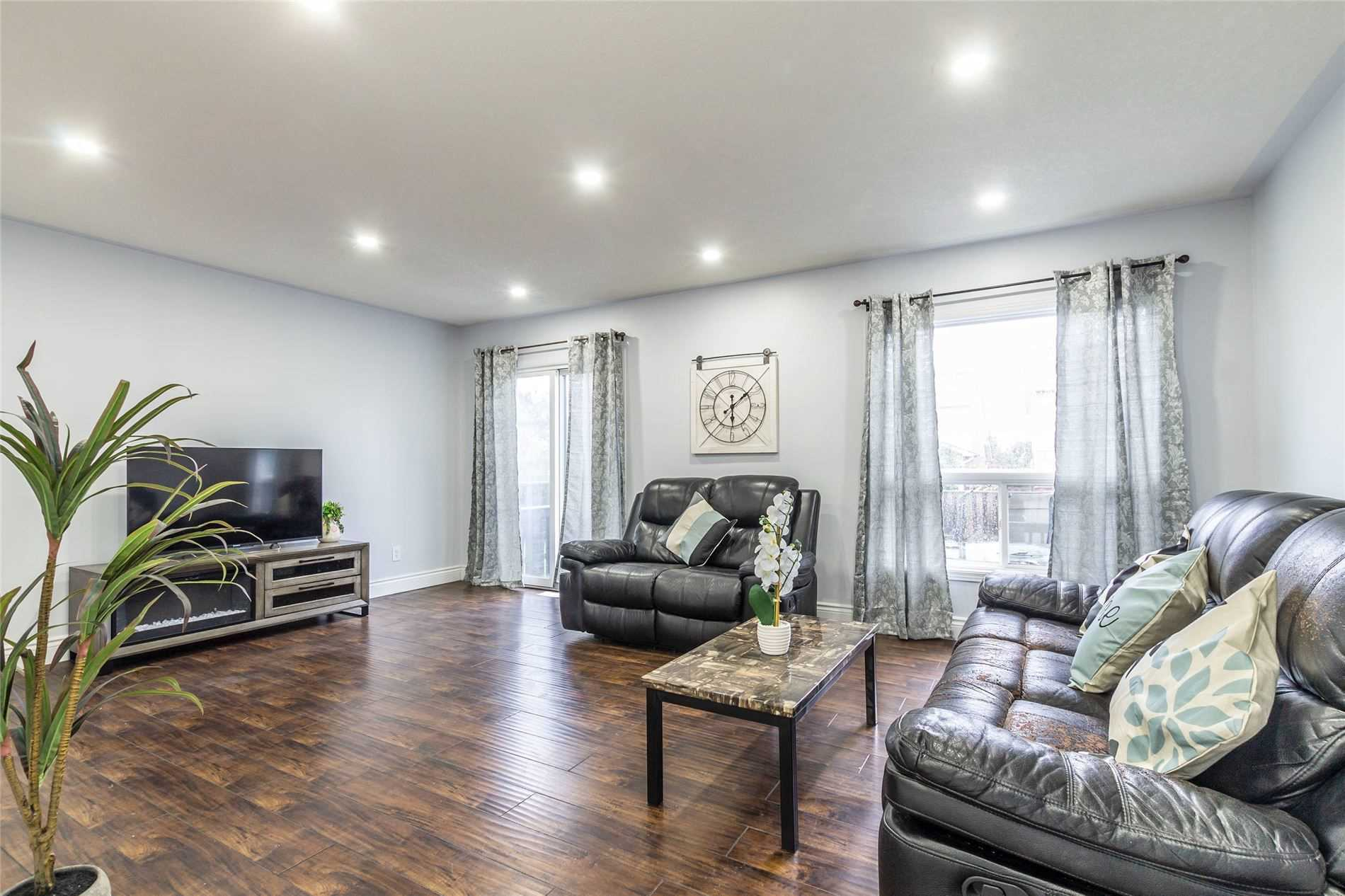 Detached house For Sale In Kitchener