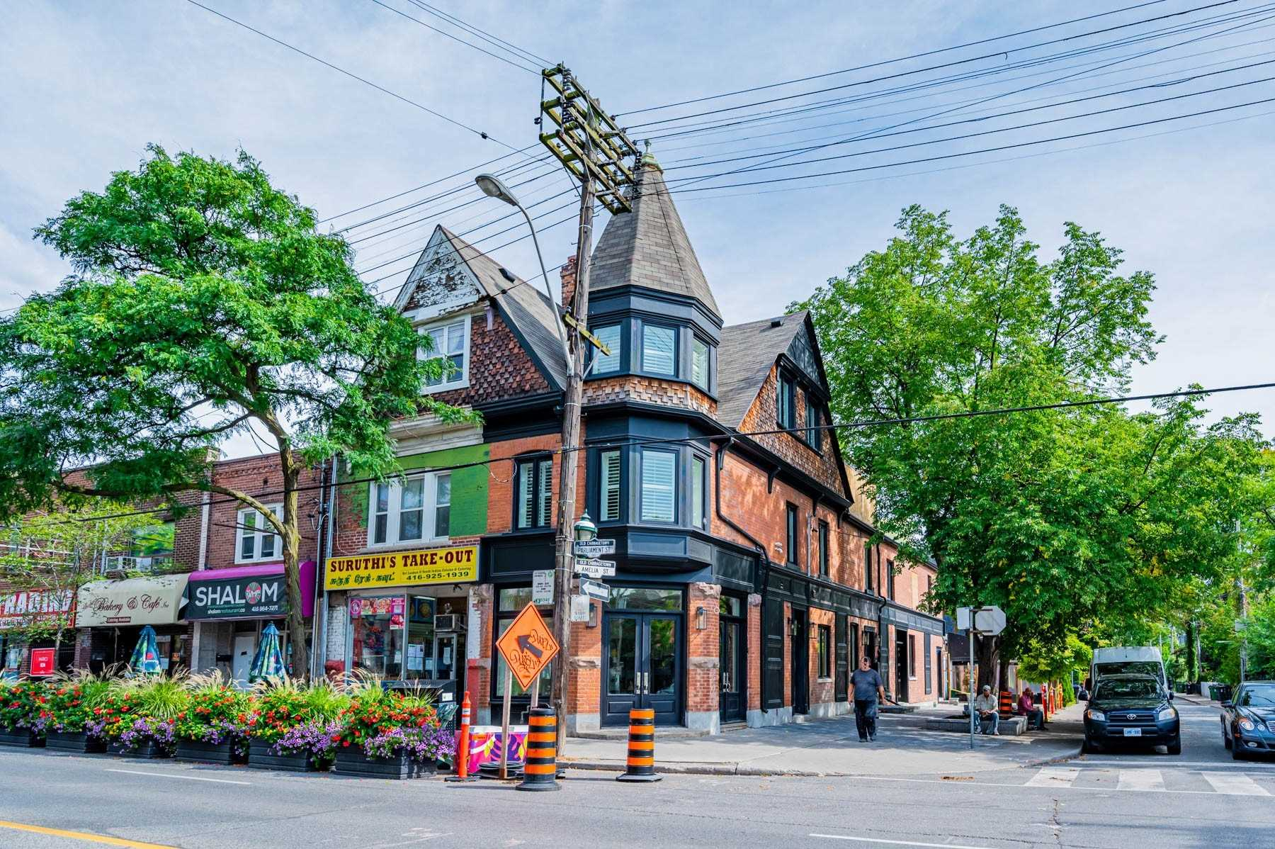 Att/row/twnhouse For Lease In Toronto , 2 Bedrooms Bedrooms, ,2 BathroomsBathrooms,Att/row/twnhouse,For Lease,Unit 1,Parliament
