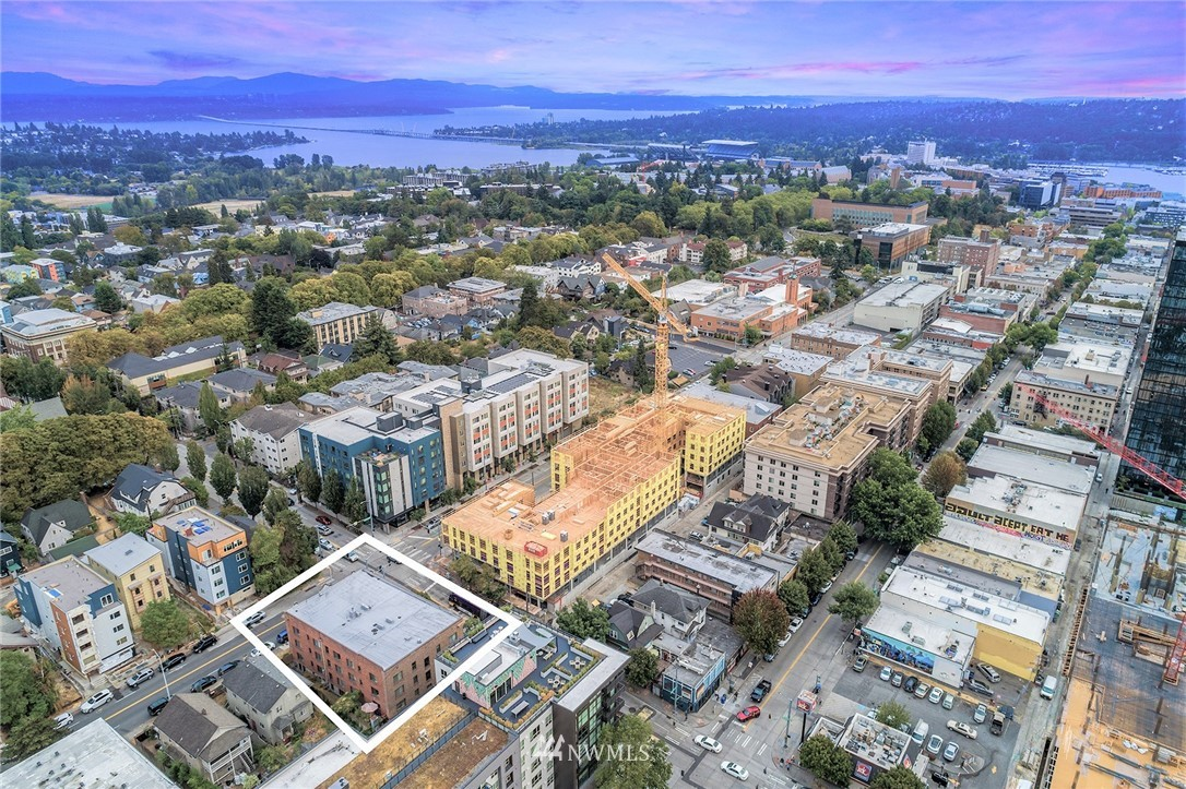 5003 15th Avenue, Seattle, Washington 98105, ,Commercial Sale,For Sale,15th,NWM1845602