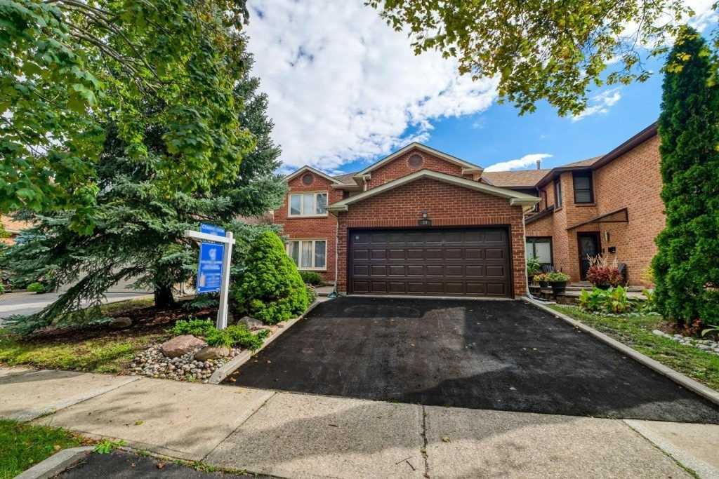 19 Felicia Crt, Vaughan, Ontario L4J 5K6, 3 Bedrooms Bedrooms, 8 Rooms Rooms,4 BathroomsBathrooms,Detached,For Sale,Felicia,N5384328