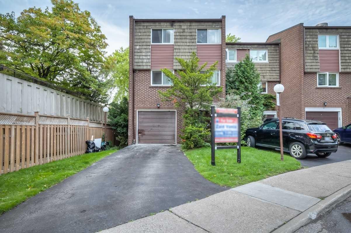 25 Vicora Link Way, Toronto, Ontario M3C1A3, 3 Bedrooms Bedrooms, 6 Rooms Rooms,2 BathroomsBathrooms,Condo Townhouse,For Sale,Vicora Link,C5384555