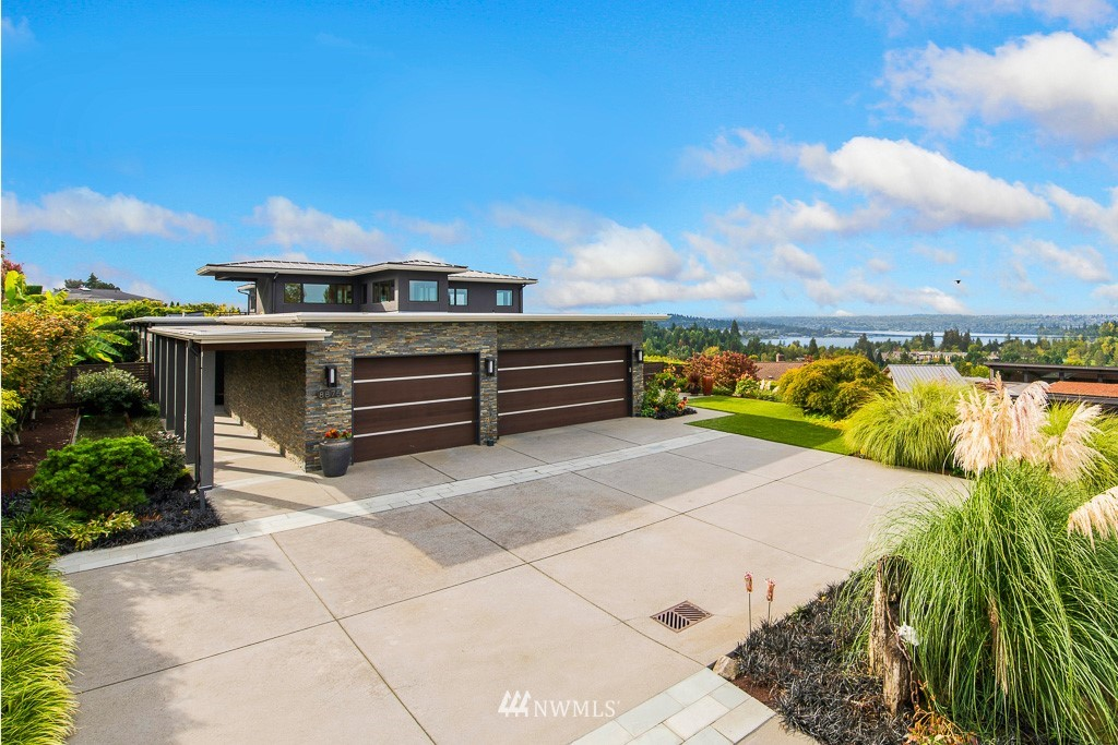 8875 19th Street, Clyde Hill, Washington 98004, 4 Bedrooms Bedrooms, ,5 BathroomsBathrooms,Residential,For Sale,19th,NWM1843440