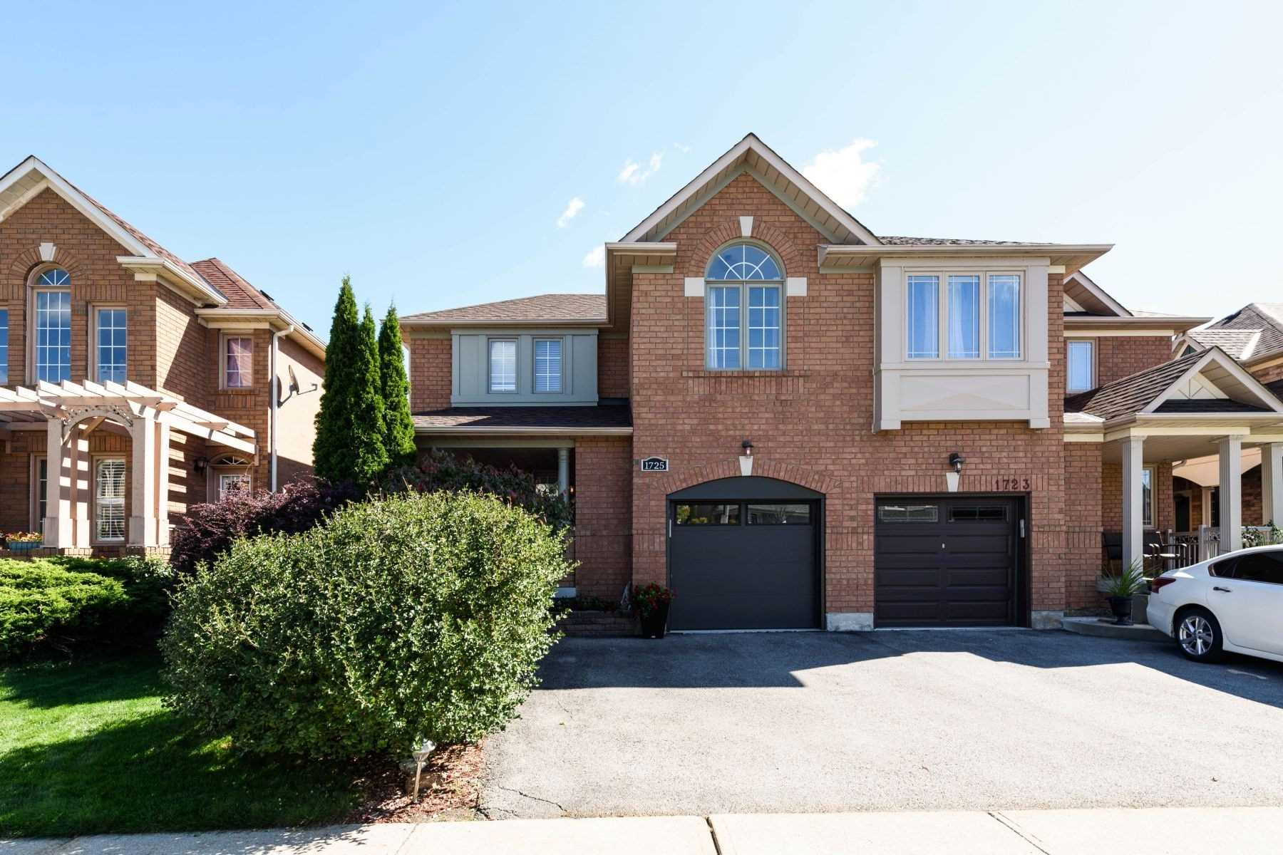 Semi-Detached For Sale In Mississauga , 3 Bedrooms Bedrooms, ,3 BathroomsBathrooms,Semi-Detached,For Sale,Samuelson