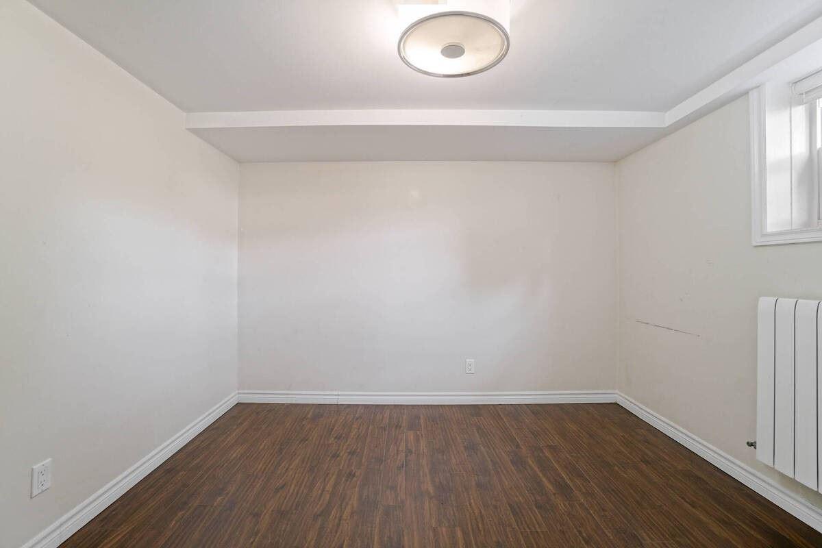 273 Beta St, Toronto, Ontario M8W4H9, 4 Bedrooms Bedrooms, 10 Rooms Rooms,3 BathroomsBathrooms,Duplex,For Sale,Beta,W5391481