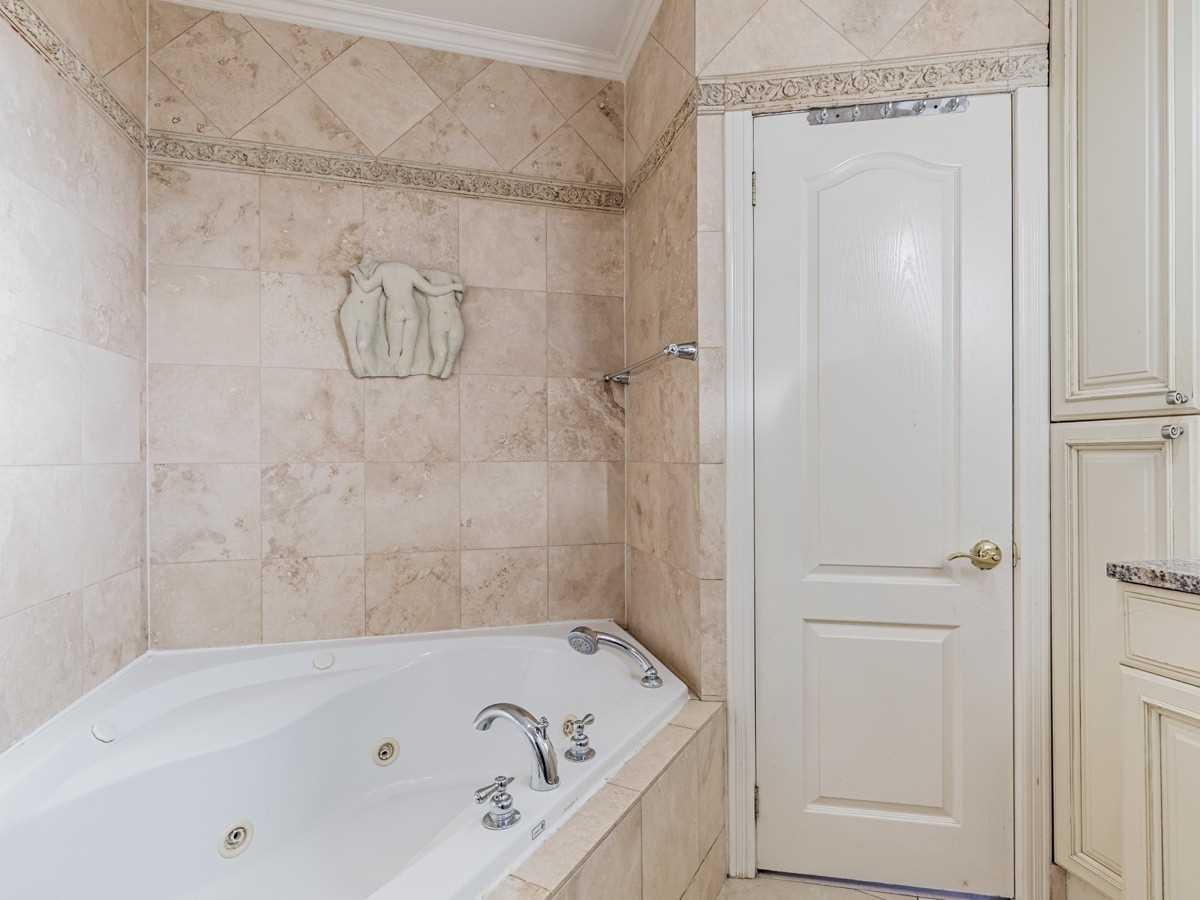 127 Greenlaw Ave, Toronto, Ontario M6H3V9, 5 Bedrooms Bedrooms, 7 Rooms Rooms,3 BathroomsBathrooms,Detached,For Sale,Greenlaw,W5391523