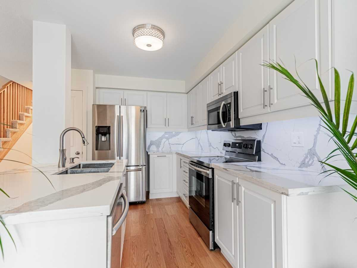 34 Queen Alexandra Lane, Clarington, Ontario L1C 7E5, 3 Bedrooms Bedrooms, ,4 BathroomsBathrooms,Att/row/twnhouse,For Lease,Queen Alexandra,E5392675