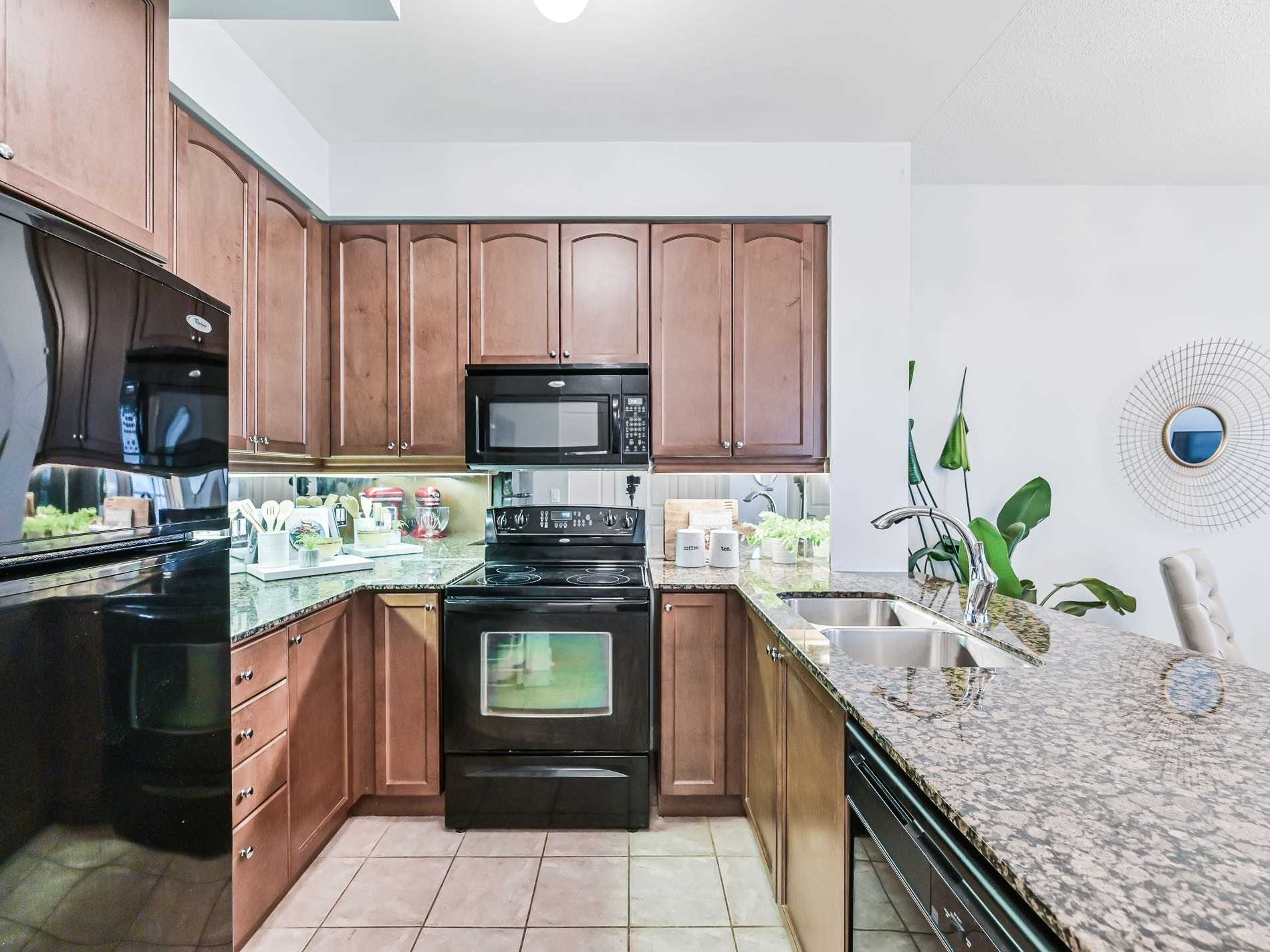 Condo Apt For Sale In Mississauga , 2 Bedrooms Bedrooms, ,1 BathroomBathrooms,Condo Apt,For Sale,902,Absolute