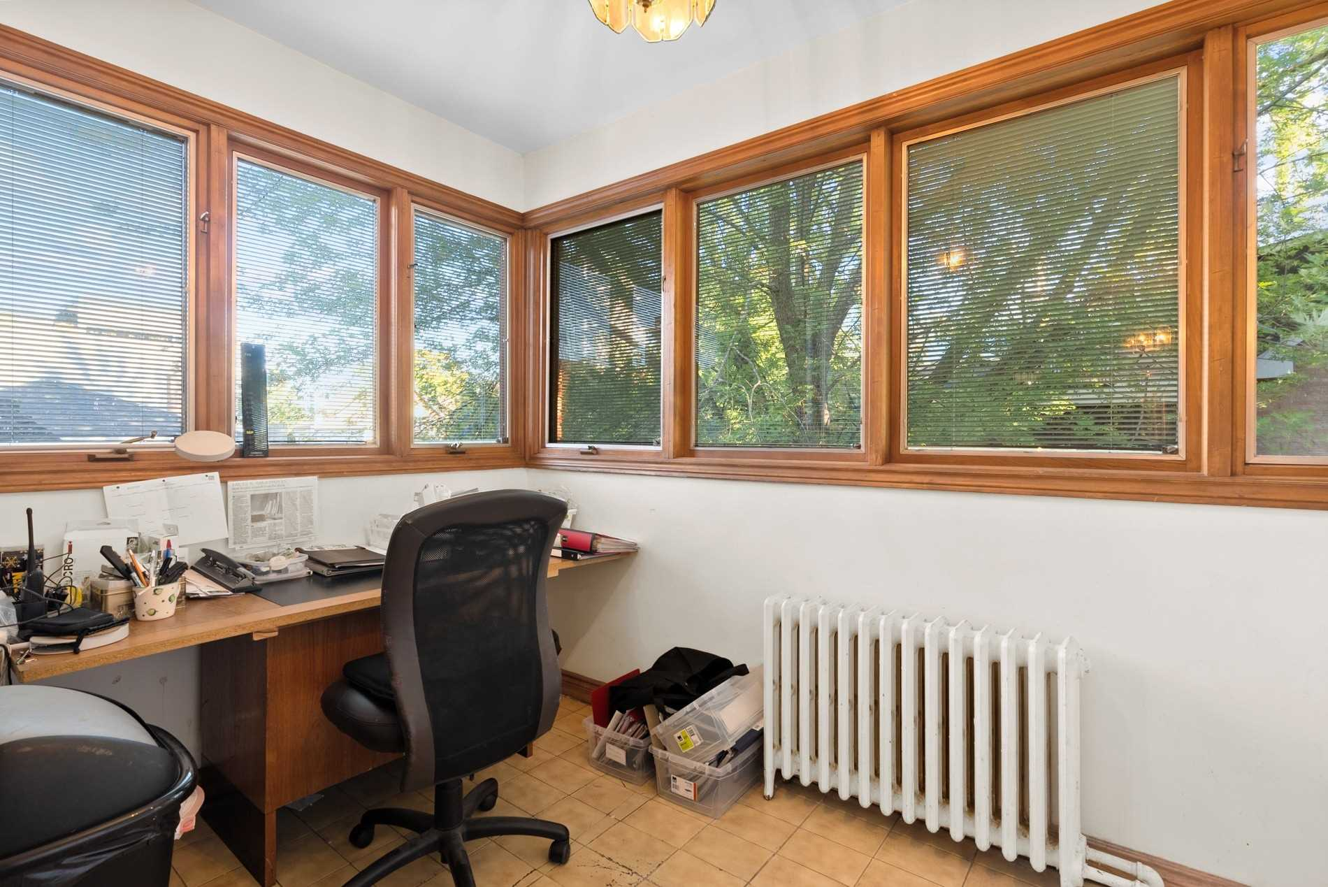 Store W/apt/office For Sale In Toronto , ,2 BathroomsBathrooms,Store W/apt/office,For Sale,Heath