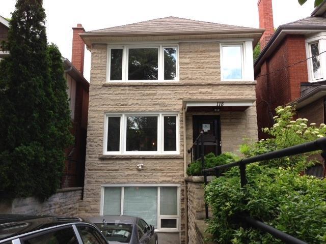 Triplex For Lease In Toronto , 2 Bedrooms Bedrooms, ,2 BathroomsBathrooms,Triplex,For Lease,1,Roselawn