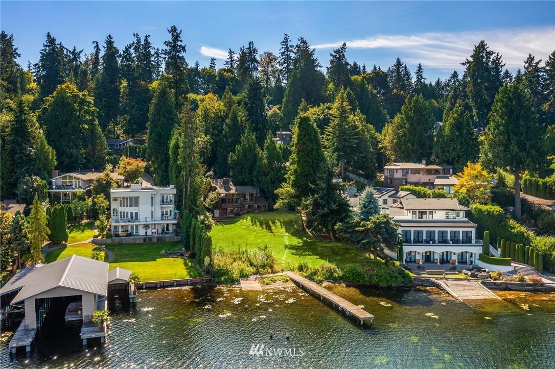 9528 Shoreland Drive, Bellevue, Washington 98004, 4 Bedrooms Bedrooms, ,1 BathroomBathrooms,Residential,For Sale,Shoreland,NWM1849848