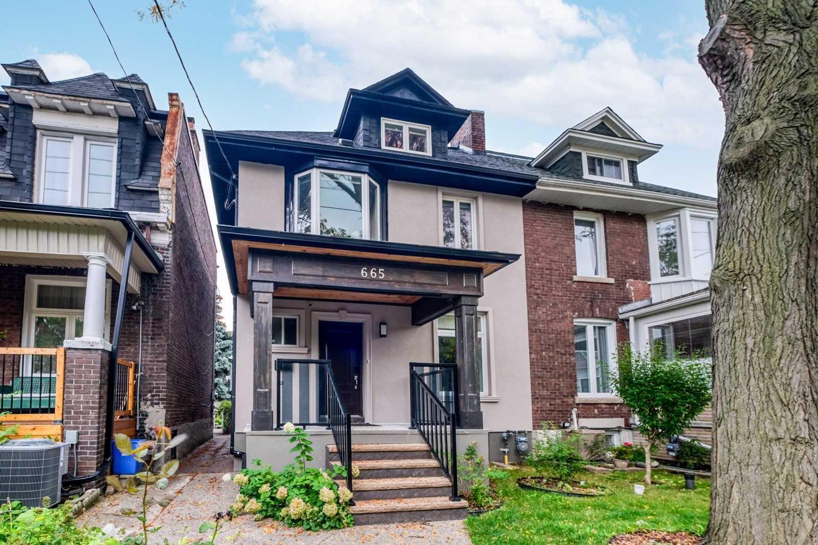Duplex For Sale In Toronto , 4 Bedrooms Bedrooms, ,4 BathroomsBathrooms,Duplex,For Sale,Shaw
