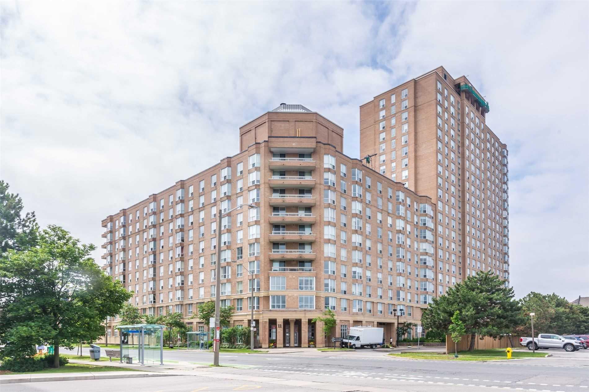 11 Thorncliffe Park Dr, Toronto, Ontario M4H1P3, 2 Bedrooms Bedrooms, 5 Rooms Rooms,2 BathroomsBathrooms,Condo Apt,For Sale,Thorncliffe Park,C5397712