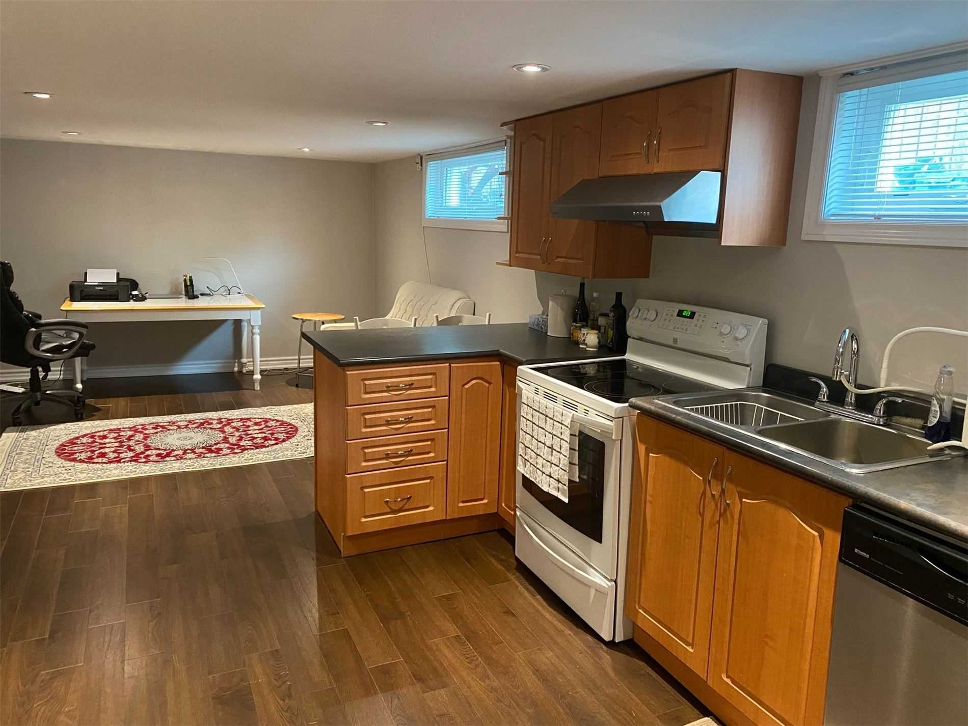 Semi-Detached For Lease In Richmond Hill , 1 Bedroom Bedrooms, ,1 BathroomBathrooms,Semi-Detached,For Lease,Lower,Axminster