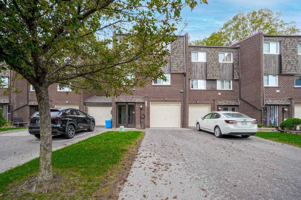 45 Windy Golfway Gfwy, Toronto, Ontario M3C 3A6, 3 Bedrooms Bedrooms, 8 Rooms Rooms,2 BathroomsBathrooms,Condo Townhouse,For Sale,Windy Golfway,C5398823