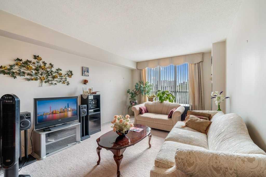 21 Overlea Blvd, Toronto, Ontario M4H1P2, 2 Bedrooms Bedrooms, 5 Rooms Rooms,1 BathroomBathrooms,Condo Apt,For Sale,Overlea,C5399186