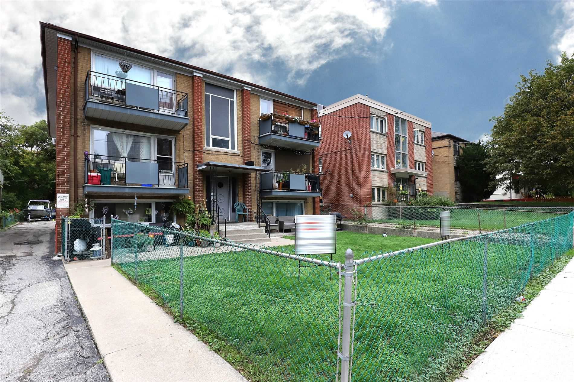 12 Victoria St, Toronto, Ontario M8V1M6, 6 Bedrooms Bedrooms, 20 Rooms Rooms,6 BathroomsBathrooms,Multiplex,For Sale,Victoria,W5399889
