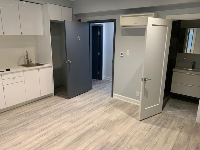Multiplex For Lease In Toronto