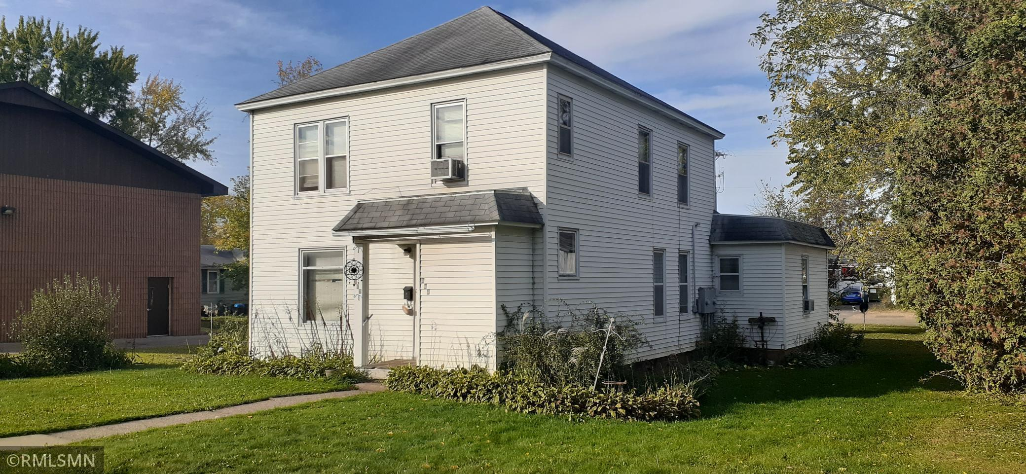327-329 Arch Avenue, New Richmond, Wisconsin 54017, ,Residential Income,For Sale,Arch,NST6113647
