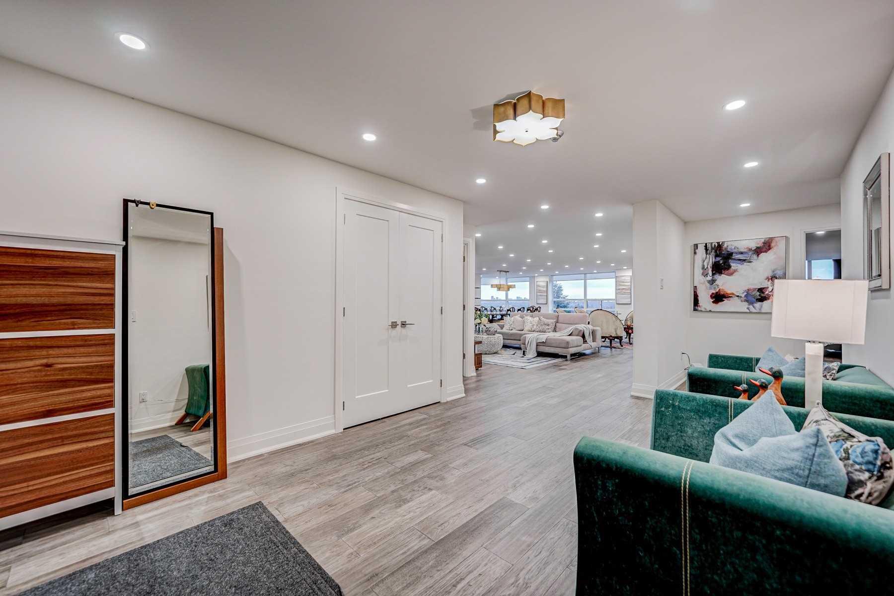 Condo Apt For Sale In Markham , 3 Bedrooms Bedrooms, ,3 BathroomsBathrooms,Condo Apt,For Sale,611,Bayview
