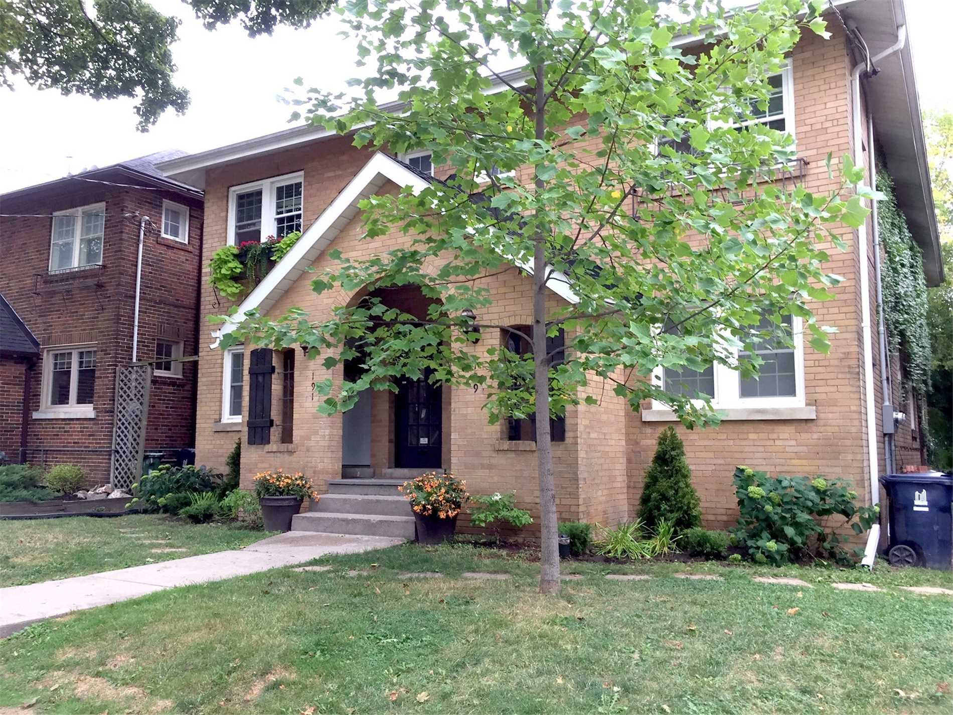 Detached house For Sale In Toronto - 189/191 Millwood Rd, Toronto, Ontario, Canada M4S 1J6 , 8 Bedrooms Bedrooms, ,4 BathroomsBathrooms,Detached,For Sale,Millwood