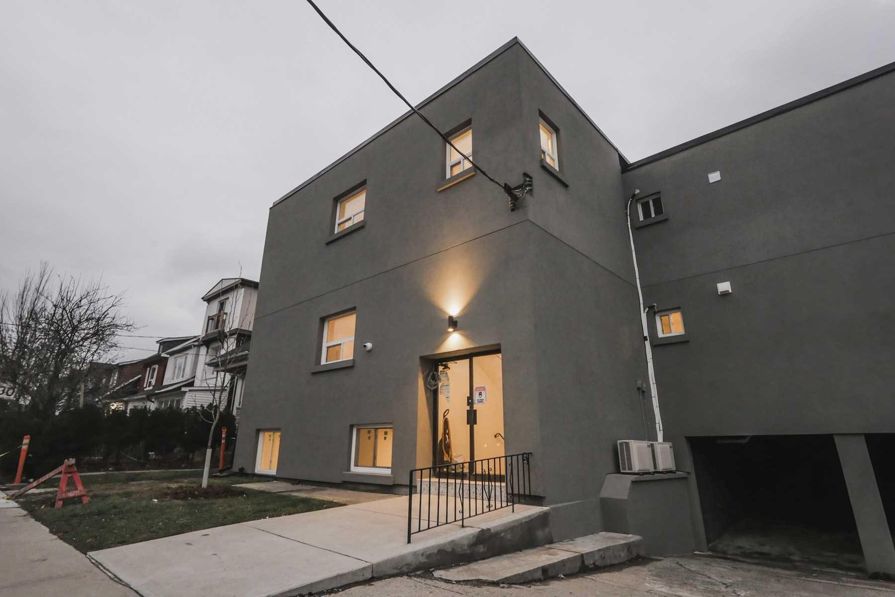 Multiplex For Lease In Toronto , 1 Bedroom Bedrooms, ,1 BathroomBathrooms,Multiplex,For Lease,1,Coleman