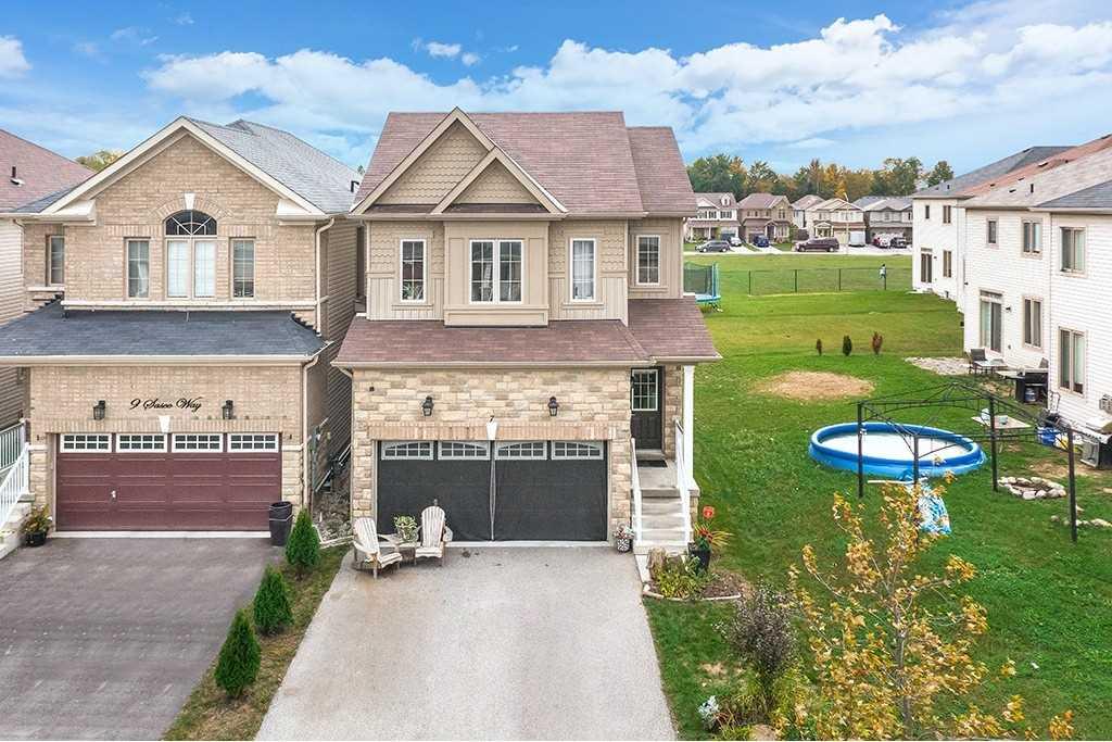 Detached house For Sale In Essa - 7 Sasco Way, Essa, Ontario, Canada L0M 1B4 , 4 Bedrooms Bedrooms, ,4 BathroomsBathrooms,Detached,For Sale,Sasco