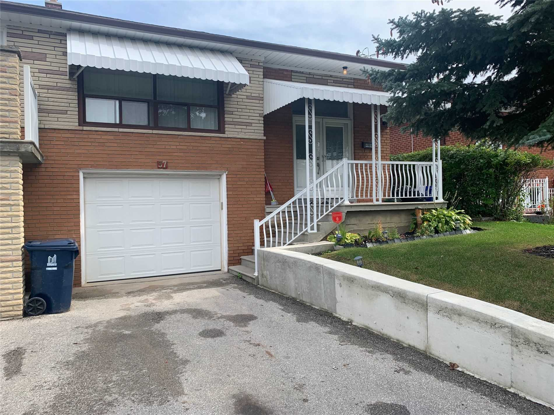 Semi-Detached For Lease In Toronto