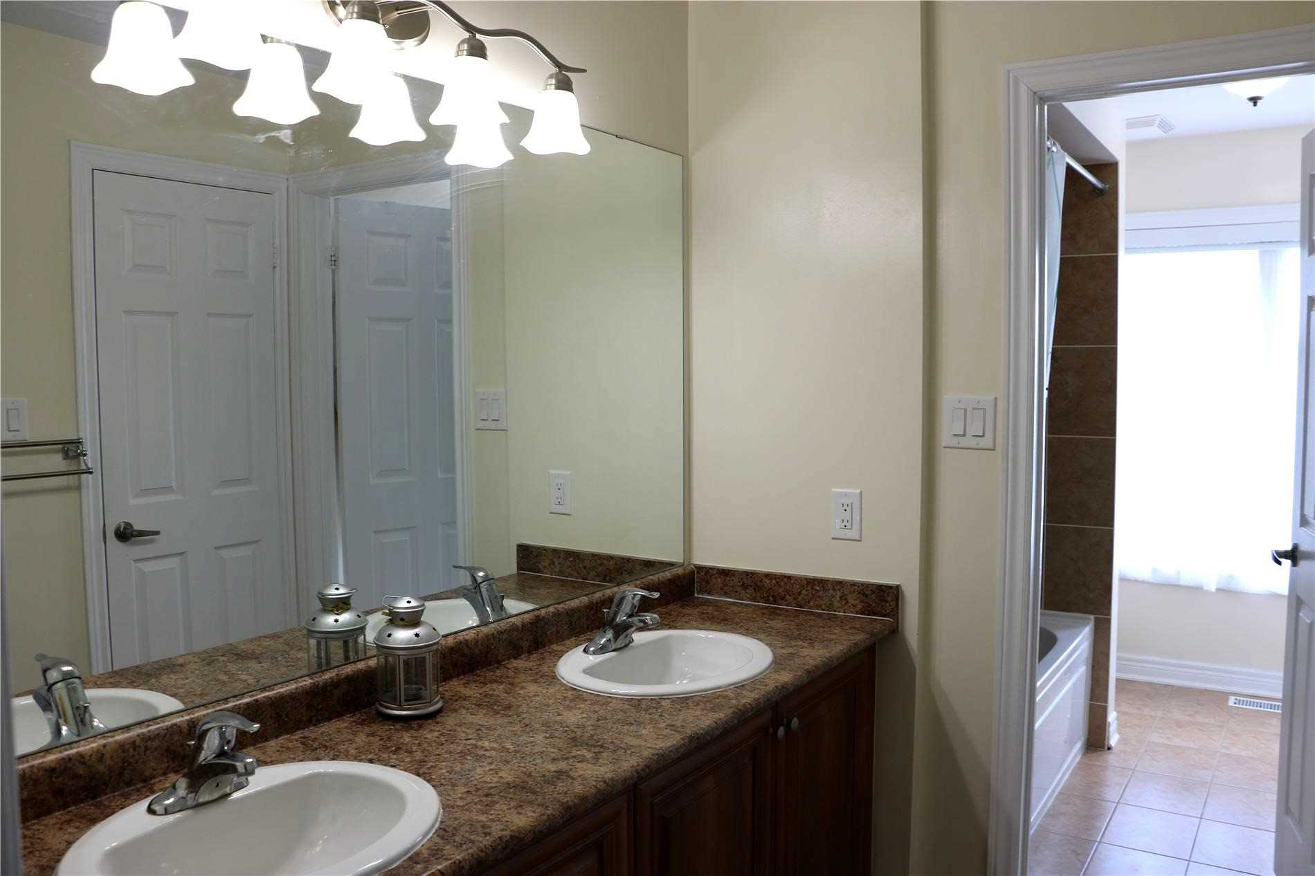 Detached house For Lease In Richmond Hill - 34 Carat Cres, Richmond Hill, Ontario, Canada L4S0B3 , 4 Bedrooms Bedrooms, ,5 BathroomsBathrooms,Detached,For Lease,Carat