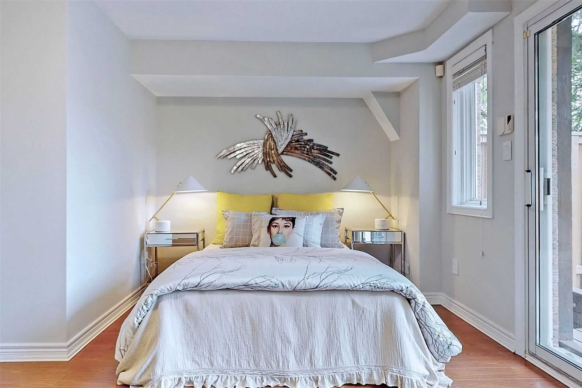 Att/row/twnhouse For Sale In Toronto , 3 Bedrooms Bedrooms, ,4 BathroomsBathrooms,Att/row/twnhouse,For Sale,Hycrest