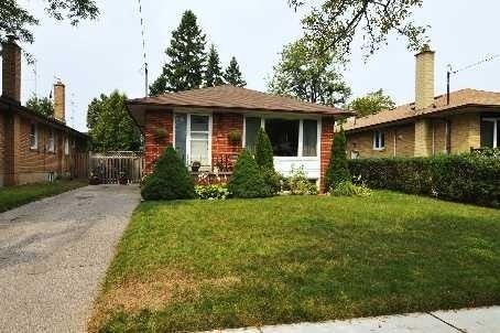 Detached house For Lease In Toronto - 36 Wantanopa Cres, Toronto, Ontario, Canada M1H2B3 , 2 Bedrooms Bedrooms, ,1 BathroomBathrooms,Detached,For Lease,Bsmt,Wantanopa
