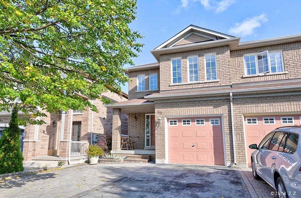Semi-Detached For Lease In Vaughan