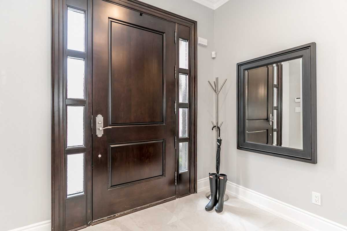 Detached house For Sale In Aurora - 33 Duncton Wood Cres, Aurora, Ontario, Canada L4G7T4 , 3 Bedrooms Bedrooms, ,5 BathroomsBathrooms,Detached,For Sale,Duncton Wood