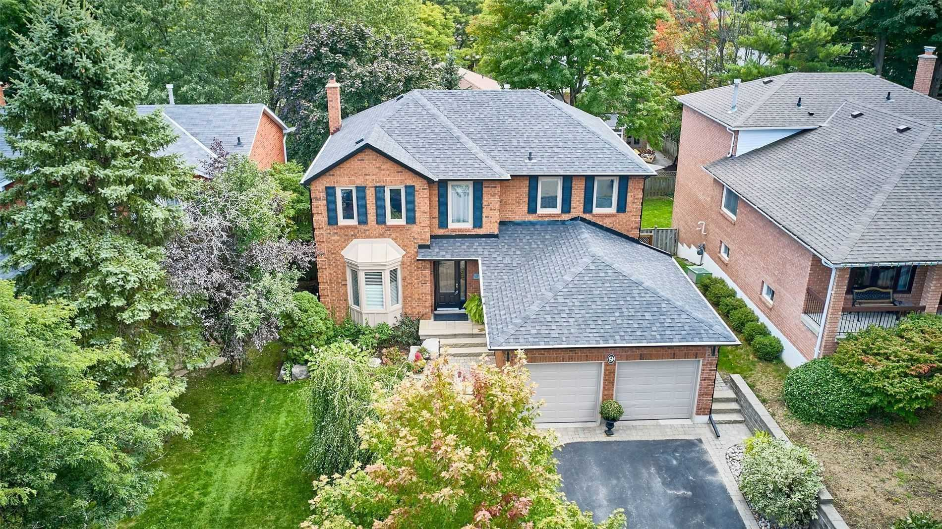 Detached house For Lease In Aurora - 9 Chadburn Cres, Aurora, Ontario, Canada L4G4T4 , 2 Bedrooms Bedrooms, ,1 BathroomBathrooms,Detached,For Lease,Lower,Chadburn