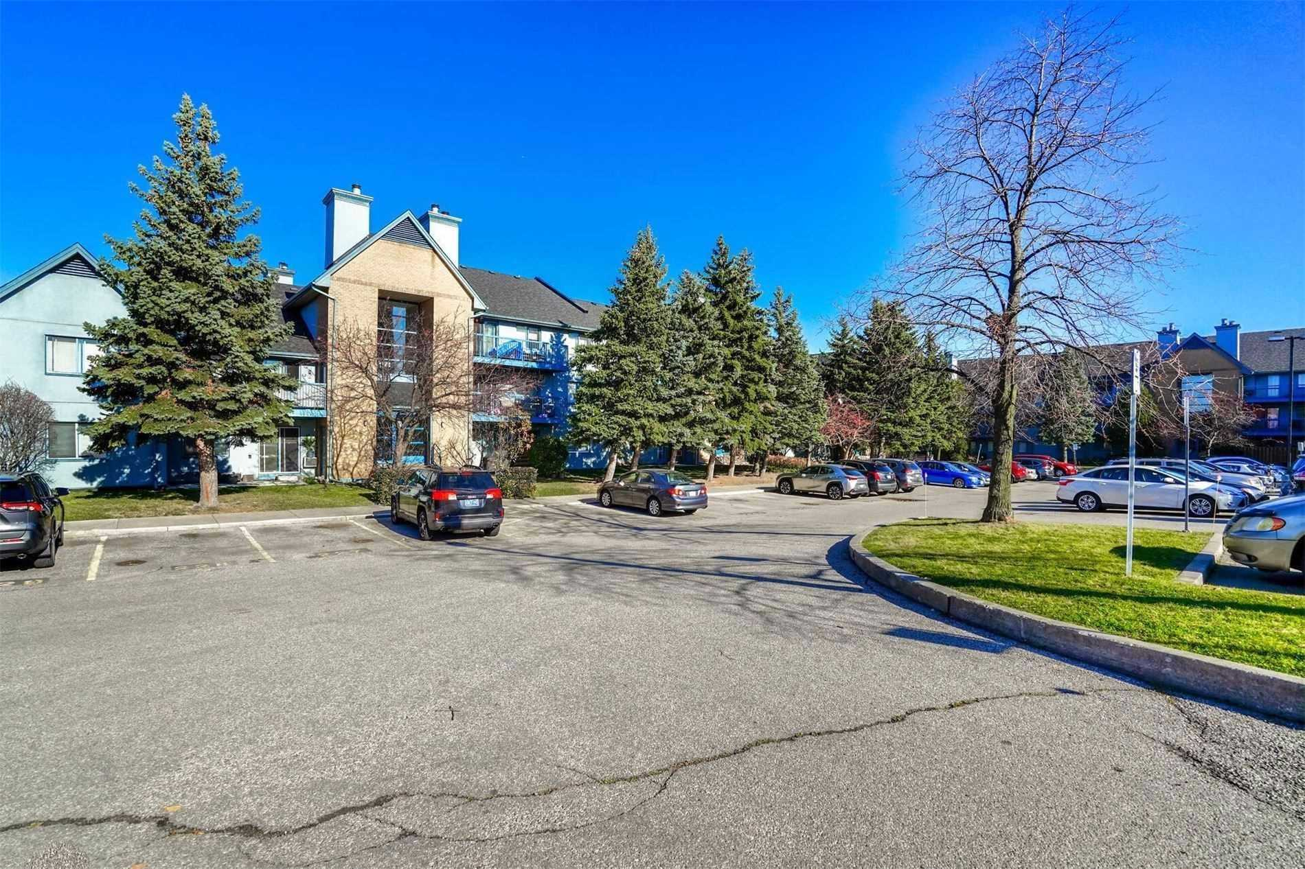 Condo Townhouse for sale In Mississauga
