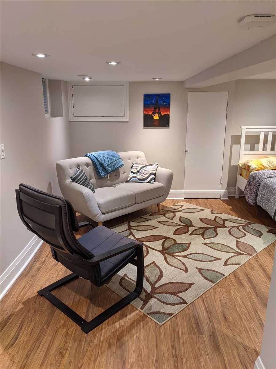 Semi-Detached For Lease In Toronto , ,1 BathroomBathrooms,Semi-Detached,For Lease,Haslett