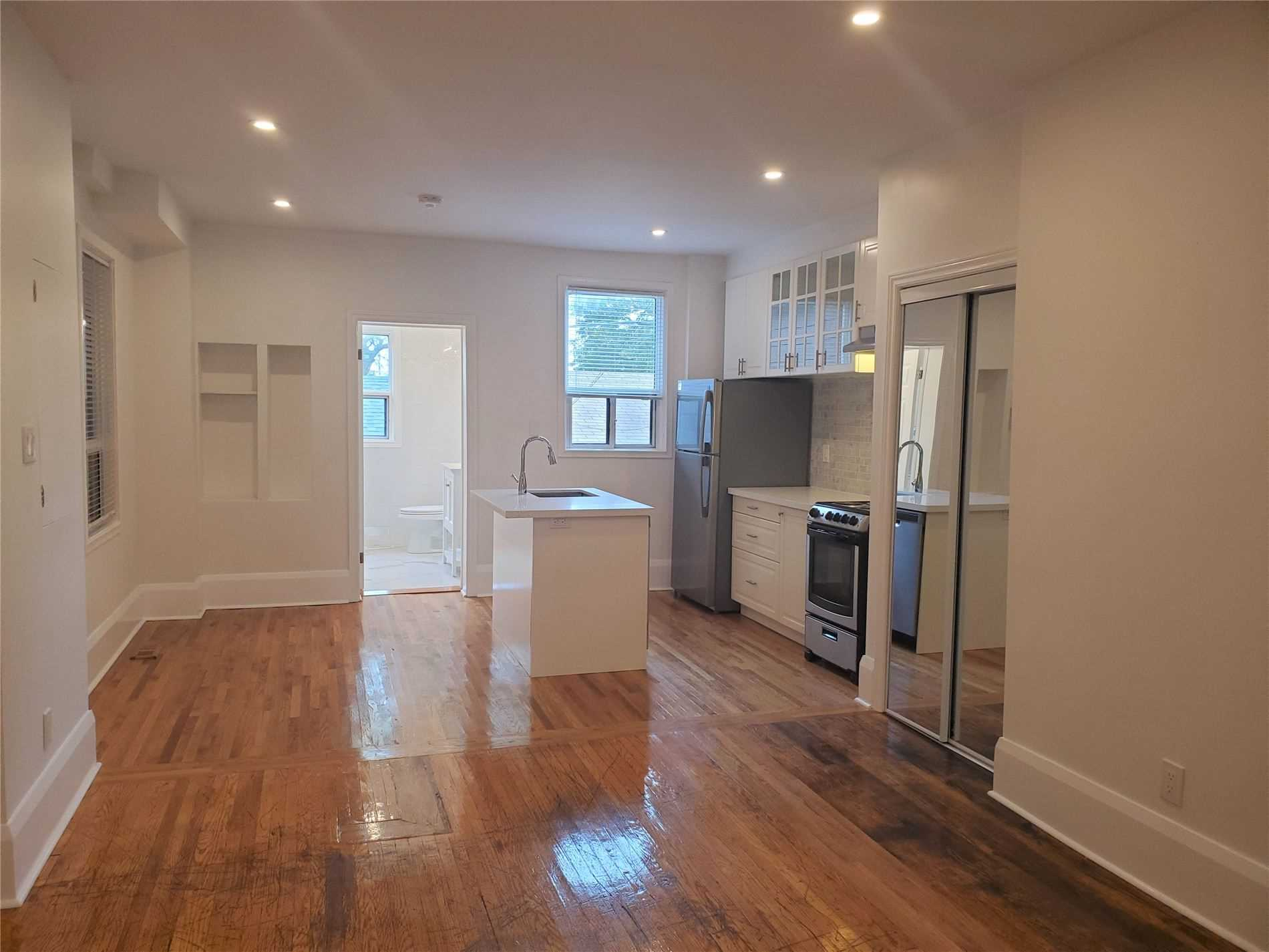 Semi-Detached For Lease In Toronto , 1 Bedroom Bedrooms, ,1 BathroomBathrooms,Semi-Detached,For Lease,1,Lansdowne