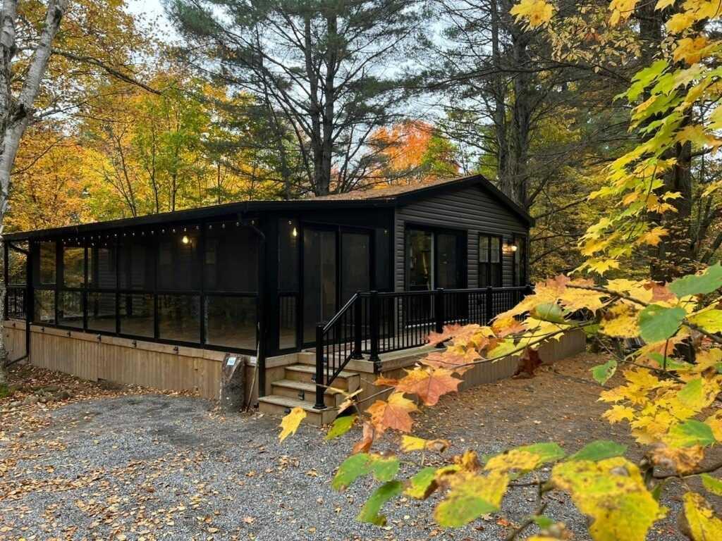 Mobile/trailer For Sale In Bracebridge , 3 Bedrooms Bedrooms, ,2 BathroomsBathrooms,Mobile/trailer,For Sale,Bonnie Lake Camp