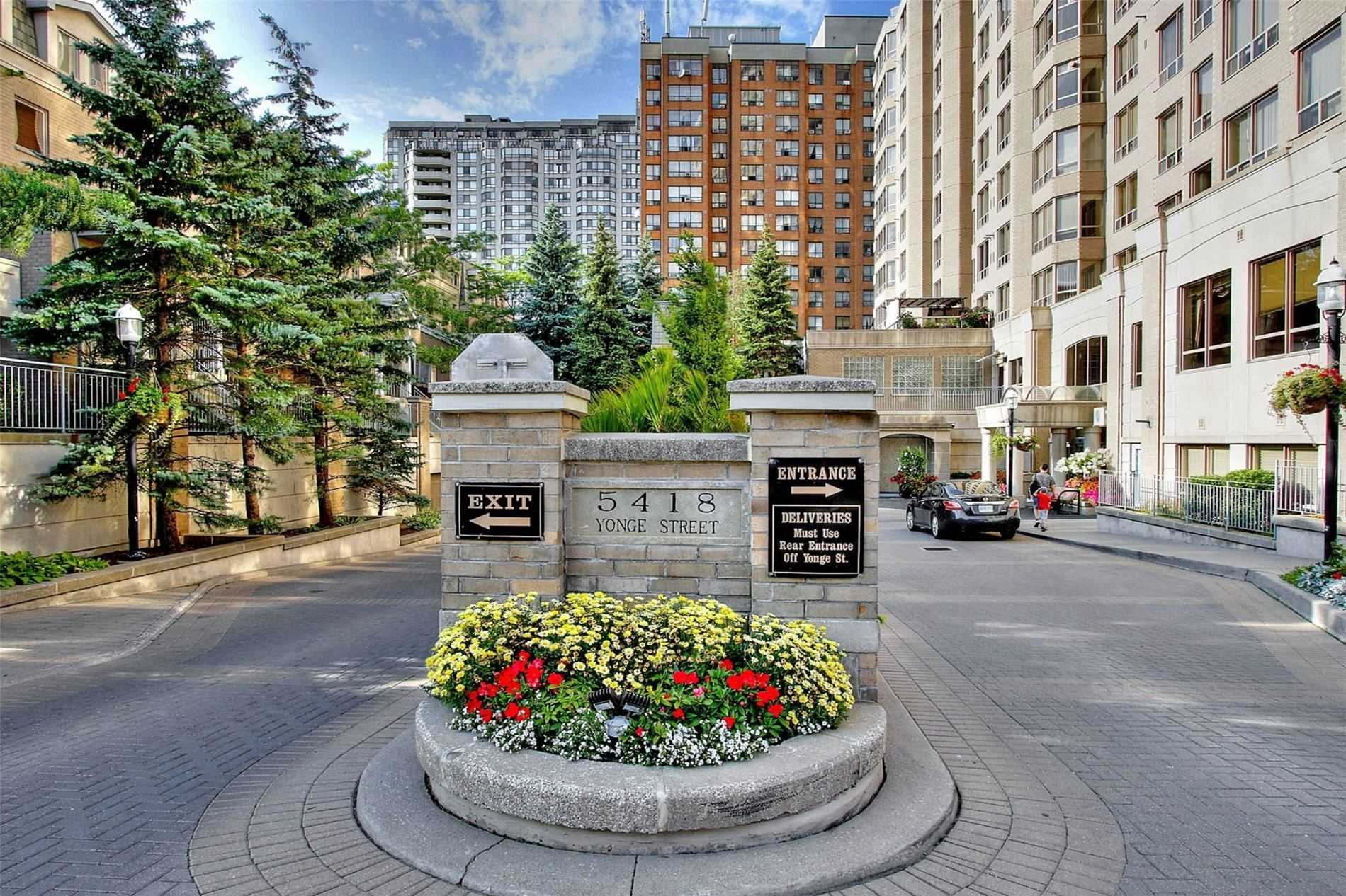 Condo Townhouse For Sale In Toronto , 3 Bedrooms Bedrooms, ,3 BathroomsBathrooms,Condo Townhouse,For Sale,110,Yonge