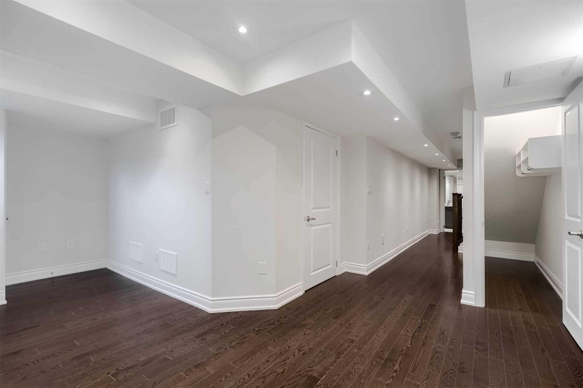 Att/row/twnhouse For Sale In Toronto , 4 Bedrooms Bedrooms, ,4 BathroomsBathrooms,Att/row/twnhouse,For Sale,Pony Farm