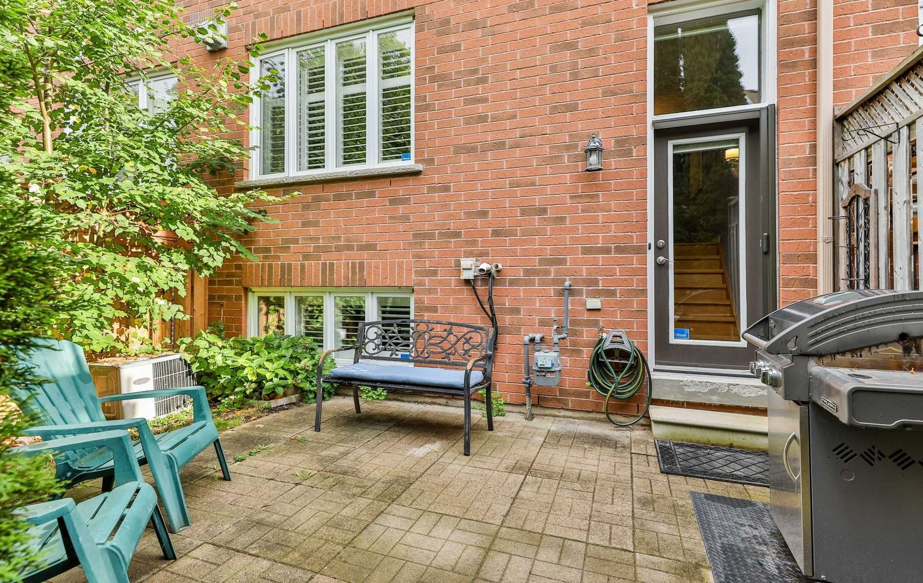 Condo Townhouse For Sale In Mississauga , 3 Bedrooms Bedrooms, ,3 BathroomsBathrooms,Condo Townhouse,For Sale,6C,Queen