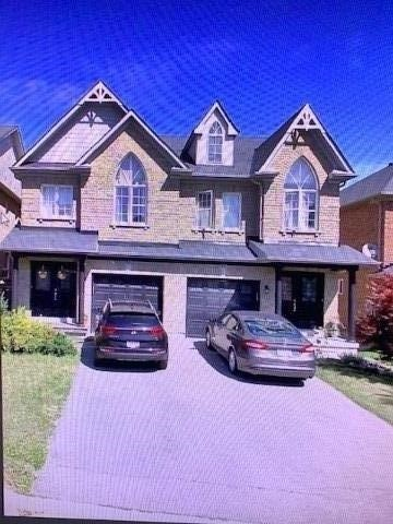 Semi-Detached For Lease In Newmarket