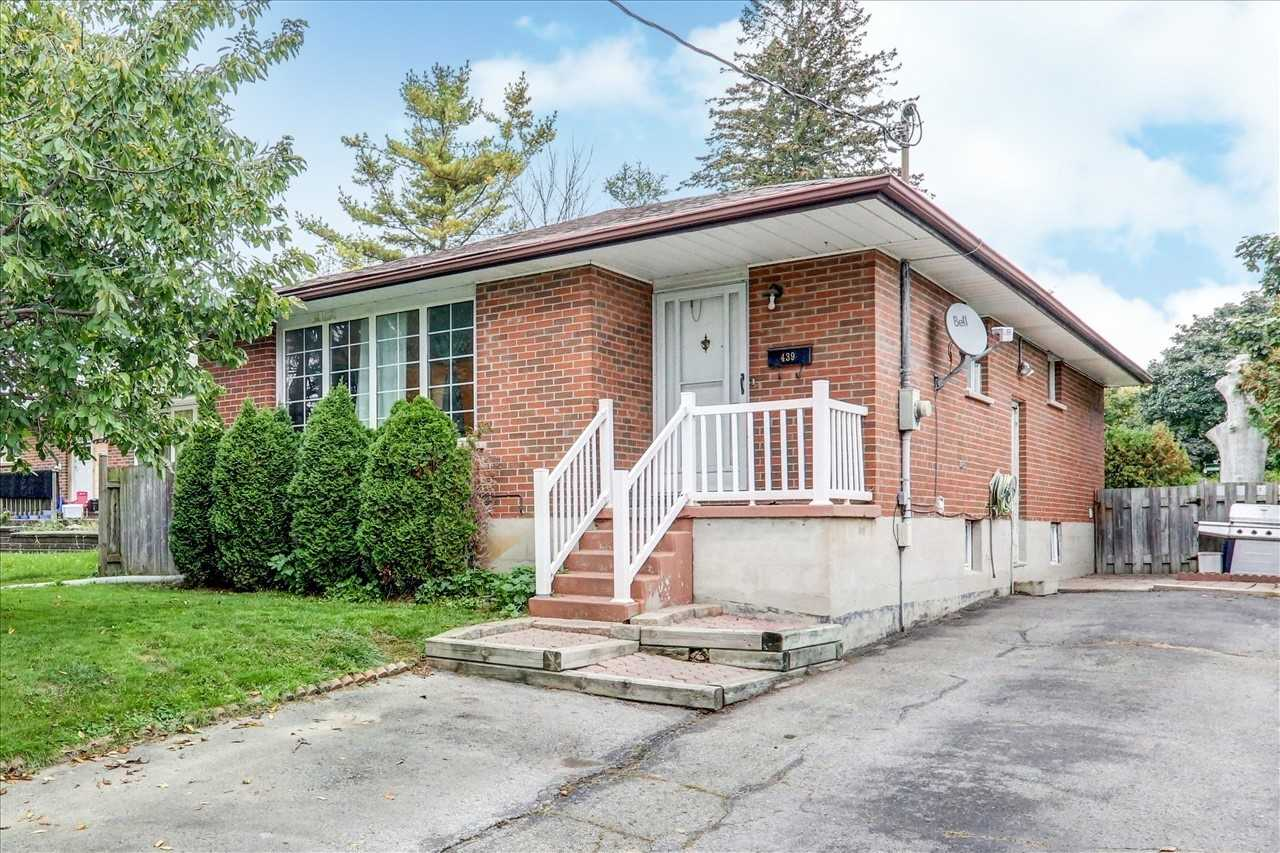 Detached house For Sale In Oshawa