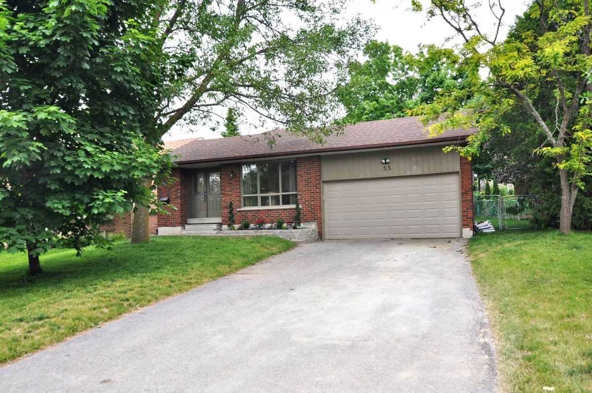 Detached house For Lease In Newmarket - 55 Lowe Blvd, Newmarket, Ontario, Canada L3Y6H1 , 2 Bedrooms Bedrooms, ,1 BathroomBathrooms,Detached,For Lease,Lowe