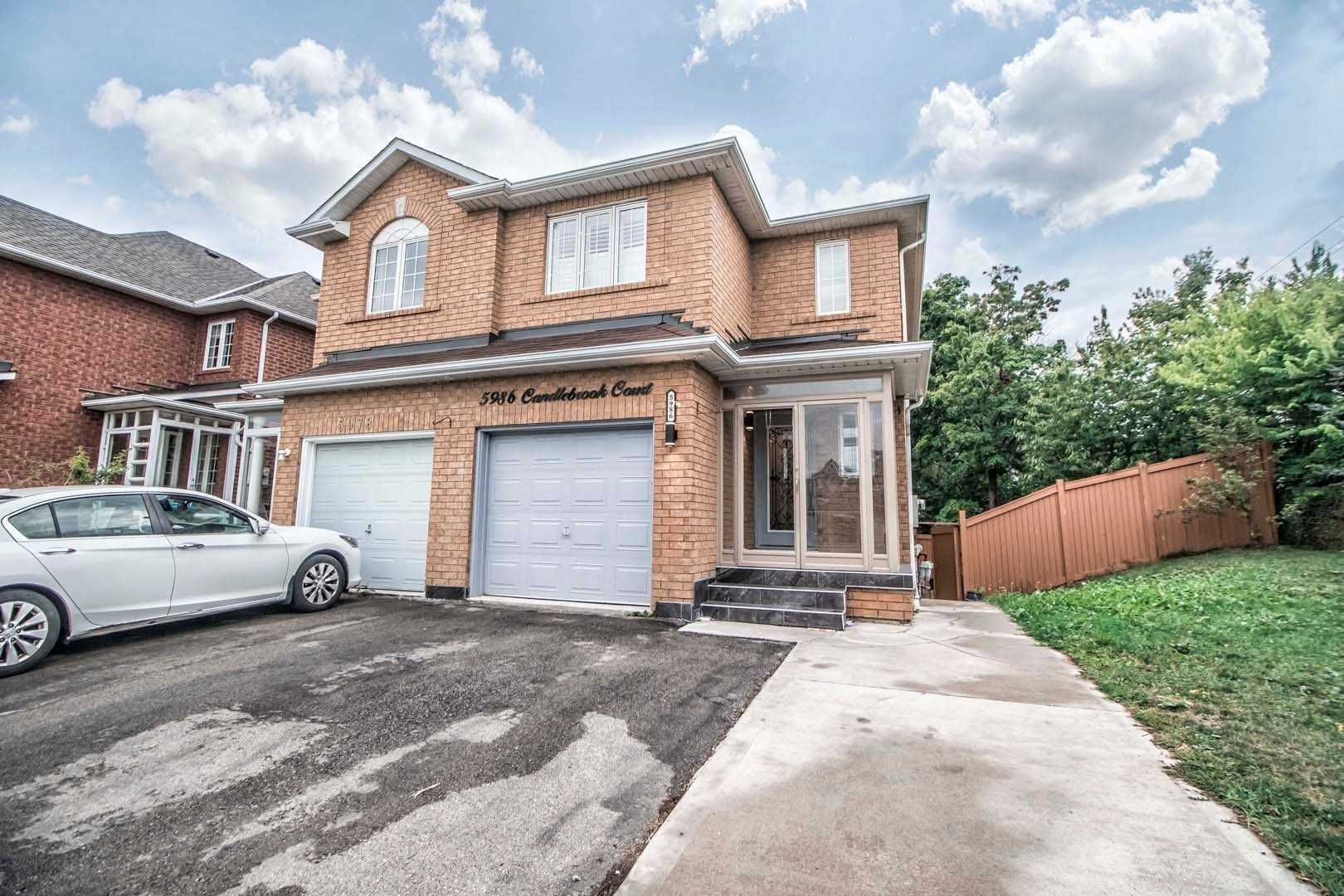Semi-Detached For Lease In Mississauga