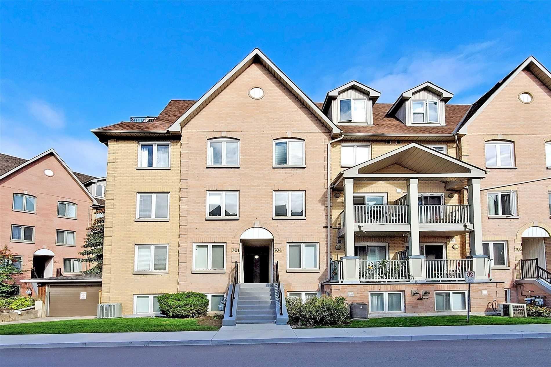 Condo Townhouse For Sale In Richmond Hill , 3 Bedrooms Bedrooms, ,3 BathroomsBathrooms,Condo Townhouse,For Sale,701,Weldrick