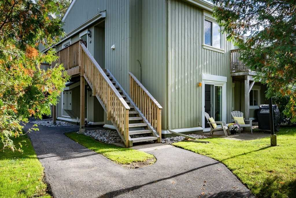 Comm Element Condo For Sale In Collingwood