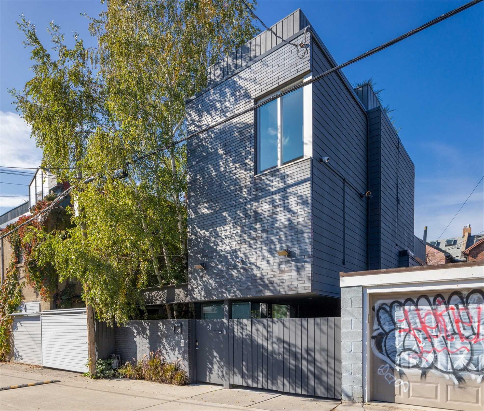 Detached house For Sale In Toronto - 54 Croft St, Toronto, Ontario, Canada M5S2N9 , 3 Bedrooms Bedrooms, ,3 BathroomsBathrooms,Detached,For Sale,Croft